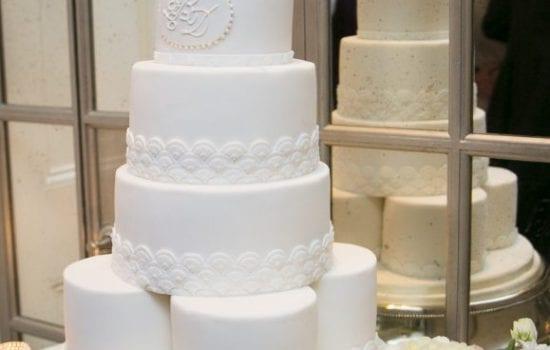 Stonor Park Melissa Woodland Cakes White Wedding