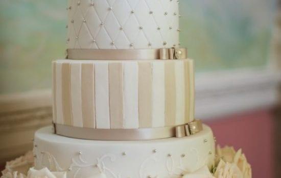 Stonor Park Melissa Woodland Cakes Satin Sache White